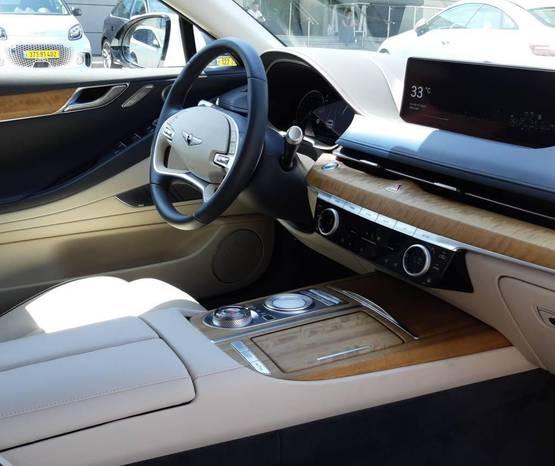 GENESIS G80 2021 -  פנים הרכב