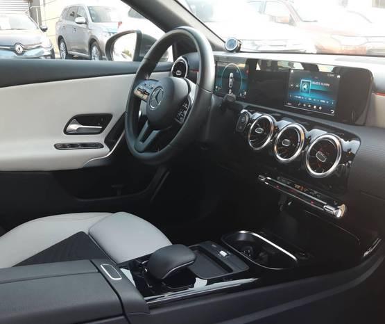 מרצדס A-Class 4 door 2020 -  פנים הרכב