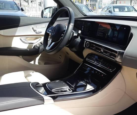 מרצדס EQC 2020 -  פנים הרכב