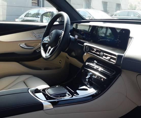 מרצדס EQC 2021 -  פנים הרכב
